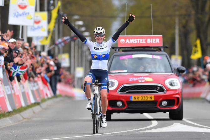 Van-der-breggen-campeona-amstel-2017